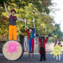 28/09/15... EDINBURGH. TESCO BANK ART COMPETITION FOR SCHOOLS LAUNCH BRINGS THE CIRCUS TO THE CLASSROOM. Tesco Bank will be surprising Primary 3 students from the school with an impromptu circus act involving an acrobat, to launch the Tesco Bank Art Competition for Schools 2015. Circus perfomer Ian Fraser with youngsters from Corstorphine primary school Ellie Lauder (clown), Tayef Hussain (ring master) Ariana McQue